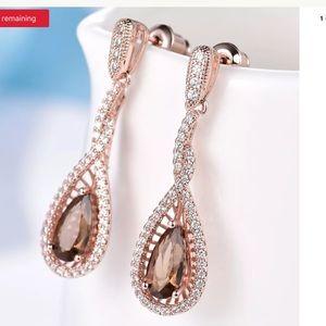 Jewelry - Vintage brown sapphire crystal earrings
